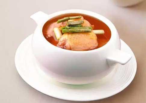 铁皮石斛炖汤中尽量不要放萝卜