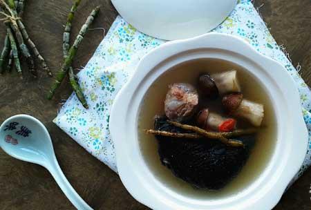 石斛松茸炖鸡汤图片