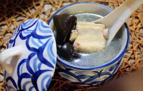 石斛海带排骨汤图片