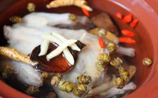 高丽参和铁皮石斛一起煲汤图片