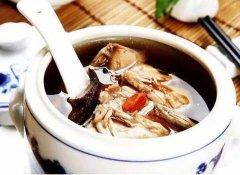 石斛莲子野菊炖水鸭汤