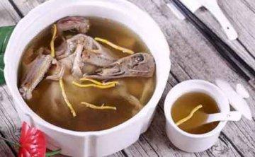 菜鸭母炖紫皮石斛鲜条