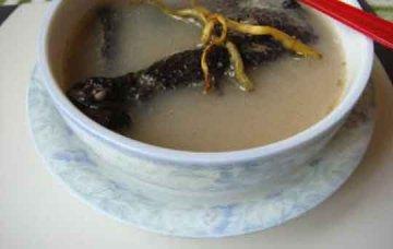浮小麦西洋参石斛煲竹丝鸡